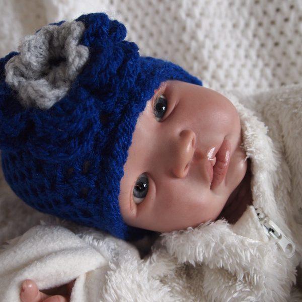 Baby muts kobalt blauw.