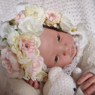 baby-flower-bonnet