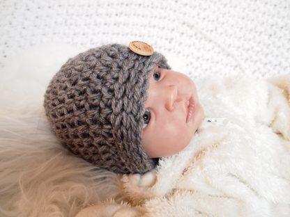 baby-beanie-muts-met-knoop