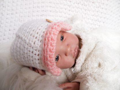 gehaakte-baby-klepmuts