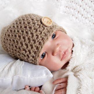 gehaakte-baby-beanieklot-met-knoop