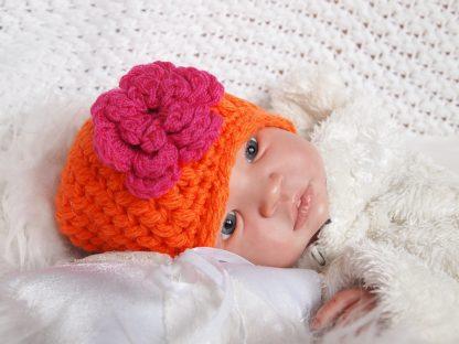 gehaakt-baby-muts-met-bloem