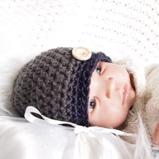 baby-beanieklot-met-knoop