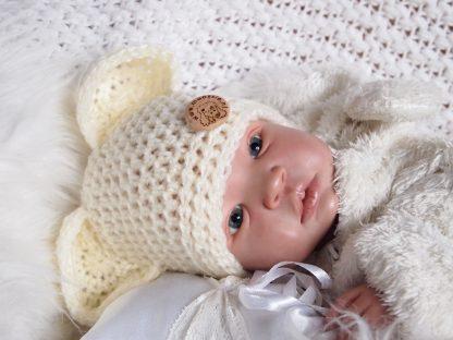 gehaakte-baby-berenmuts-met-knoop
