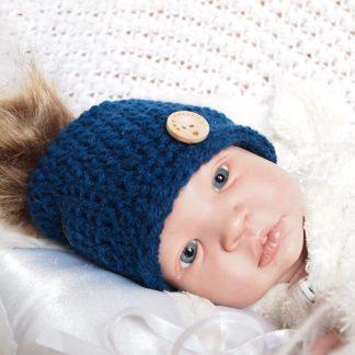 gehaakte-baby-beanieklot-met-bontpluim