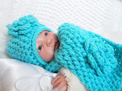 set-baby-muts-met-sjaal