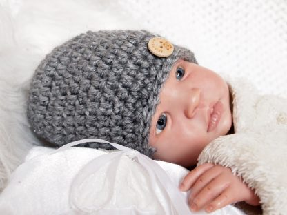donkergrijze-baby-beanie